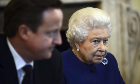 David Cameron e la regina