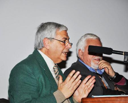 Vincenzo Gulì durante un dibattito