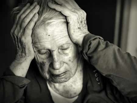 Anziana con Alzheimer