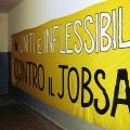 Uniti e inflessibili. In una delle celle dell'ex OPG - Foto di Francesca Roberto.