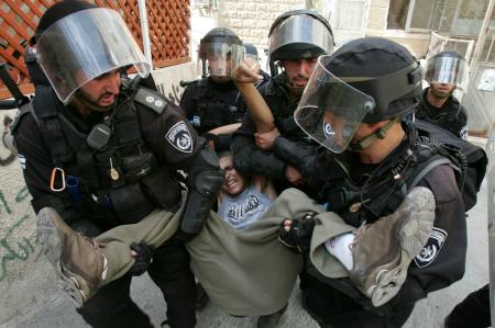 Ragazzo palestinese arrestato.