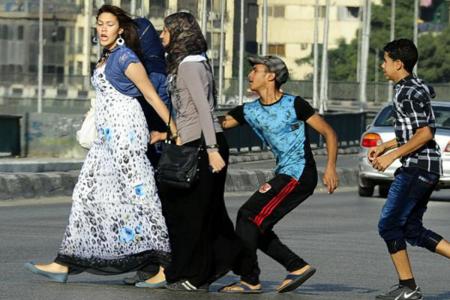 Ragazze egiziane molestate per strada
