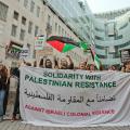Manifestanti a Londra