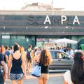 La stazione metro di Scampia: sempre affollatissima, mai completata.