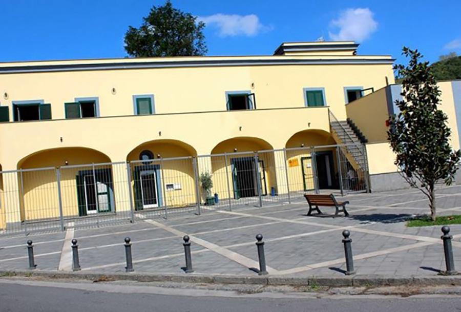 Napoli a pianura la prima sala di registrazione gratuita per i giovani crudiezine - Studio di registrazione in casa ...
