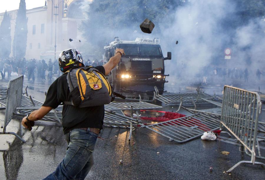 Manifestazione. Foto Massimo Percossi