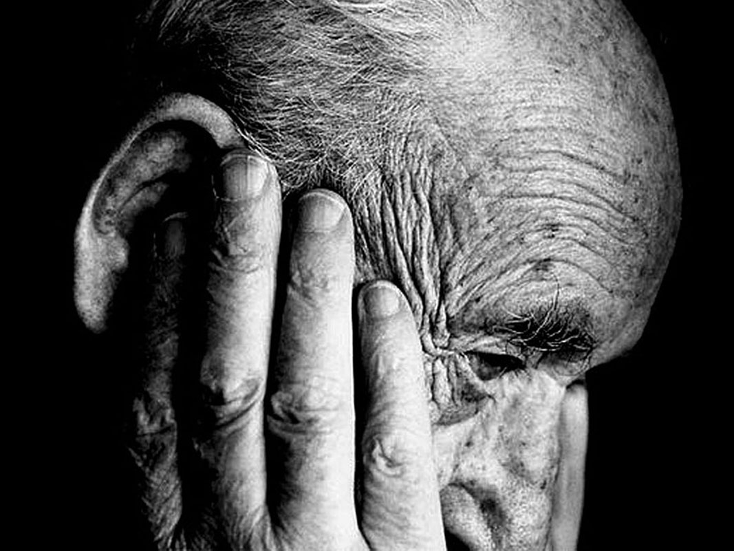 Anziani e invalidi civili disperati