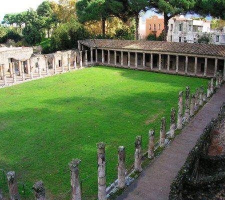 Quadriportico dei teatri, Pompei