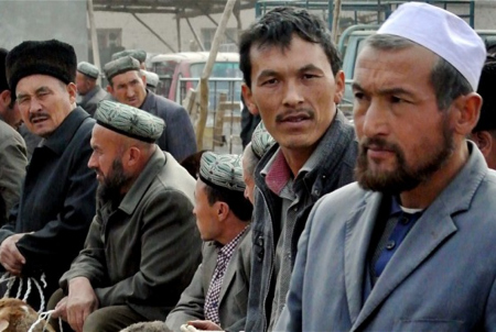Esponenti della minoranza etnica Uighur