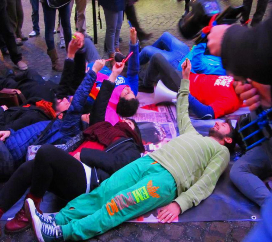 Flash mob in Piazza Monteoliveto