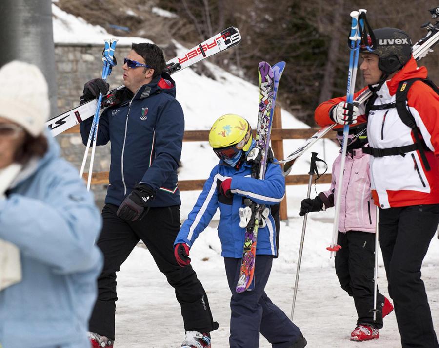 Renzi e famiglia sulla neve - Foto di Fabio Di Bello