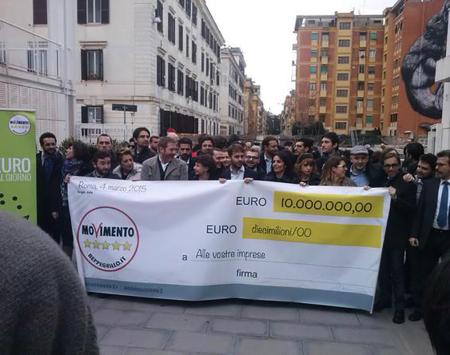 I Parlamentari del Movimento 5 Stelle al mercato Testaccio di Roma