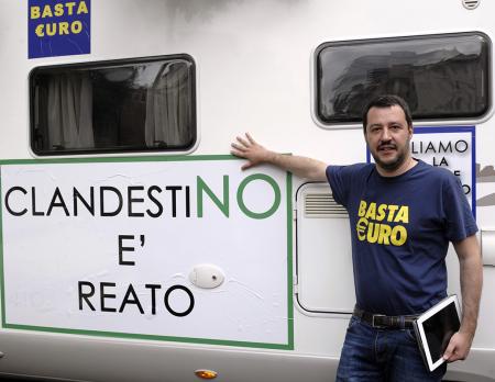 Matteo Salvini contro gli immigrati clandestini.