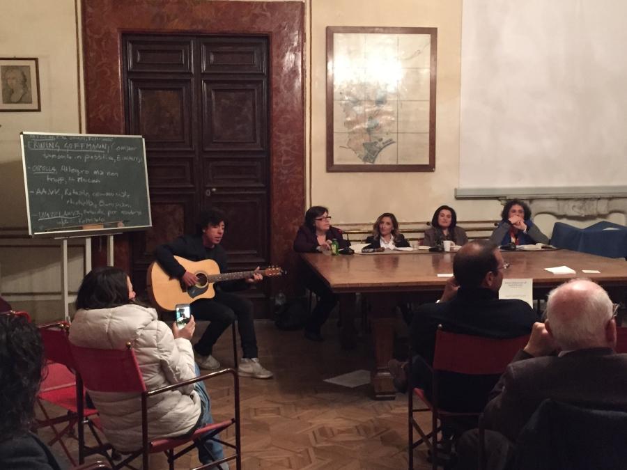 """""""Vivo tra puntini sospensivi"""" di Giuseppina dell'Aria all'Istituto Italiano degli Studi Filosofici di Napoli"""