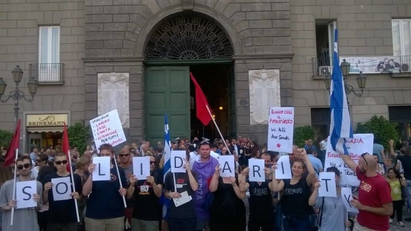 Solidarietà in Piazza Municipio