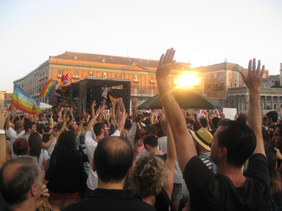 La parata del gay pride di Napoli a piazza del Plebiscito - Tutte le foto sono di Camilla Esposito