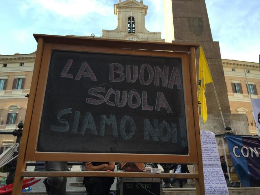 Una protesta contro la legge sulla 'Buona Scuola'.
