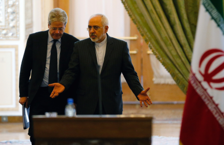 Il Ministro degli Esteri Paolo Gentiloni in visita in Iran.