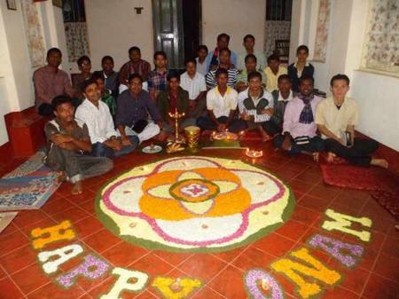 Un momento di celebrazione dell'Onam, festa del raccolto