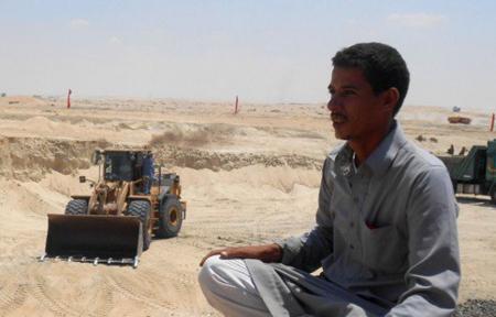 Operaio al cantiere di Suez