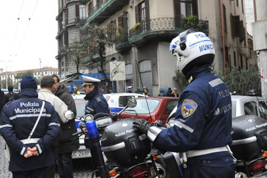 Polizia Municipale di Napoli al lavoro