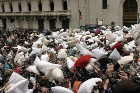 International Pillow Fight Day a Wall Street