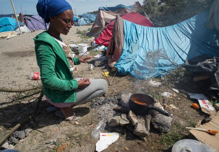 Vita quotidiana nel campo rifugiati di Calais